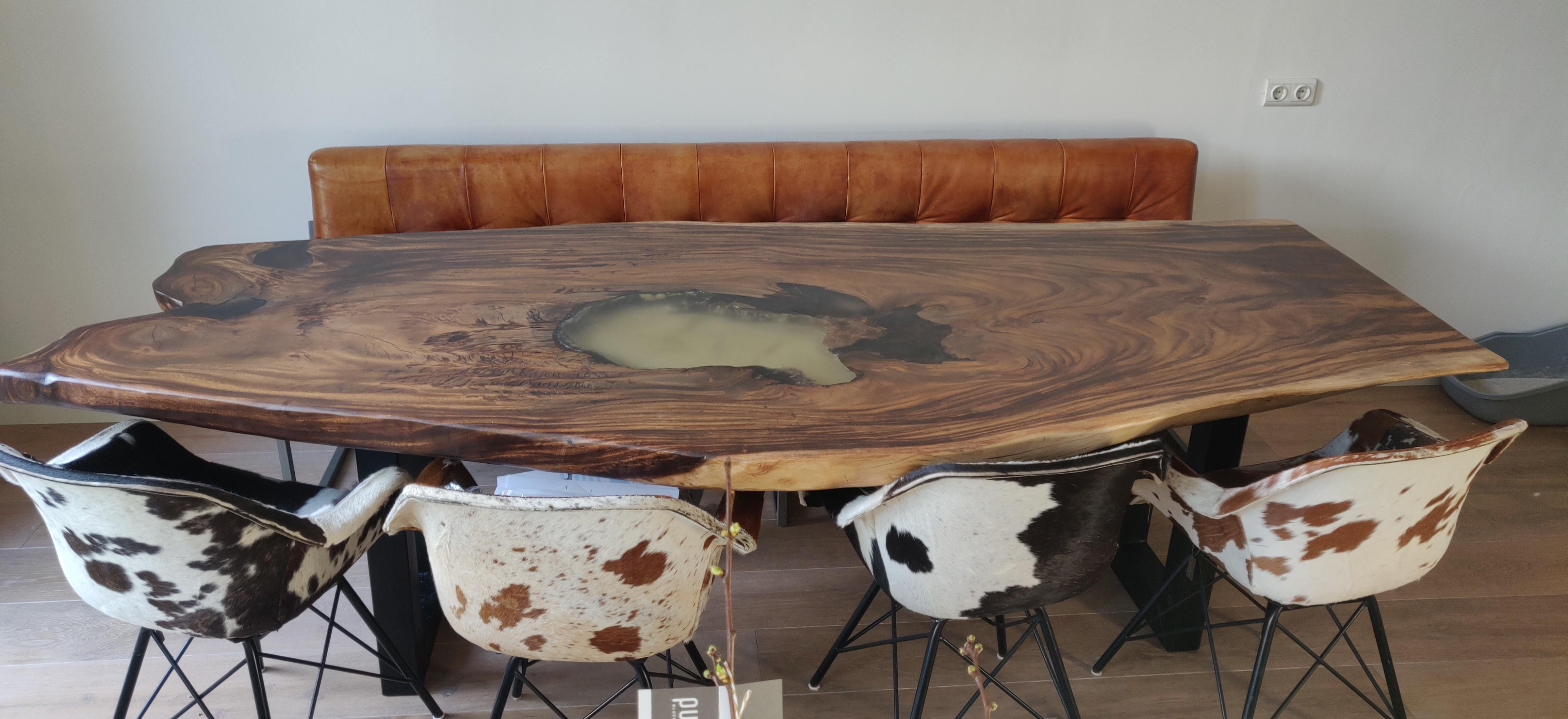 Suar boomstam tafel epoxy | Woodindustries