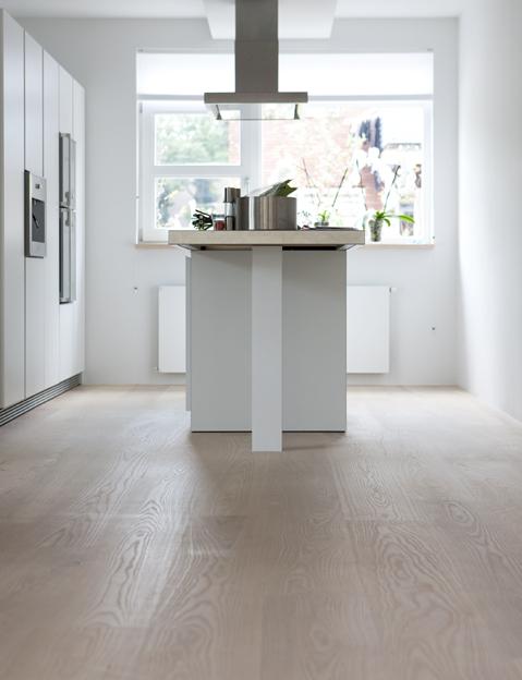 Witte Keuken Houten Vloer : vloeren solidfloor lausanne lamelparket bolefloor eiken houten vloer