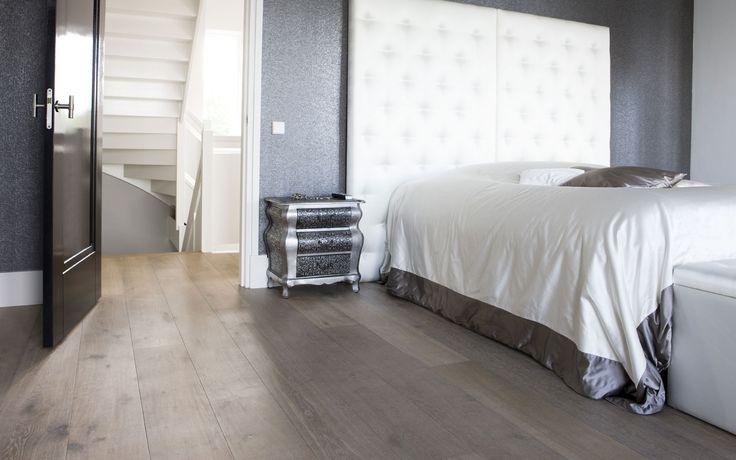 Uipkes eikenhouten vloer slaapkamer Product in beeld