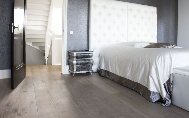 Uipkes eikenhouten vloer slaapkamer