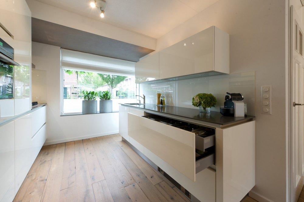 Witte hoogglans keuken Schuller via Tieleman Keukens - Product in ...