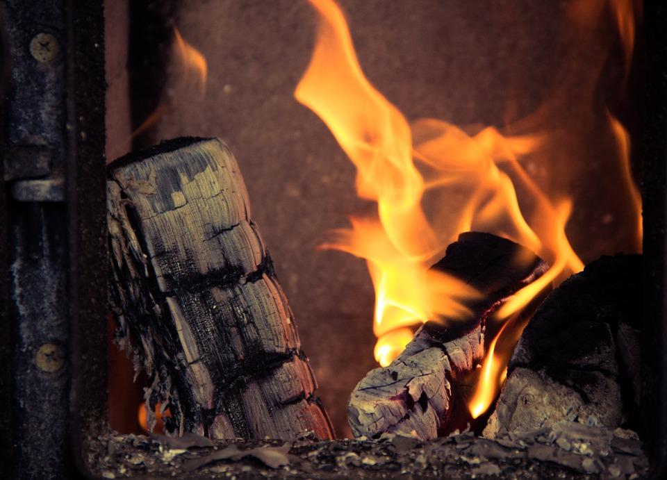 Alles over haardhout. Essenhout is het beste hout voor uw houtkachel #haardhout