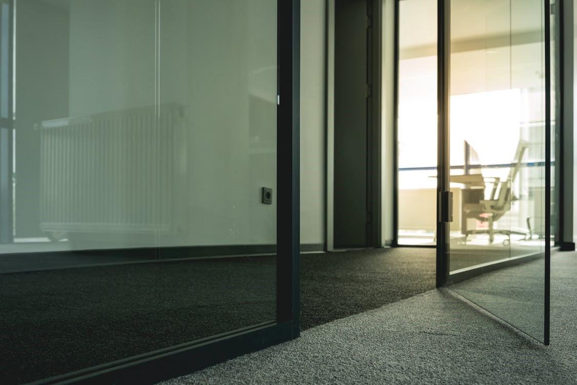 De belangrijkste eigenschappen van een kantoorvloer #kantoorvloer