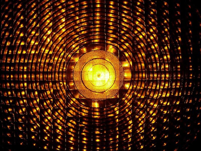 Badkamer verbouwen? De voordelen van accu bouwlampen tijdens het klussen #badkamer #verbouwen #bouwlampen