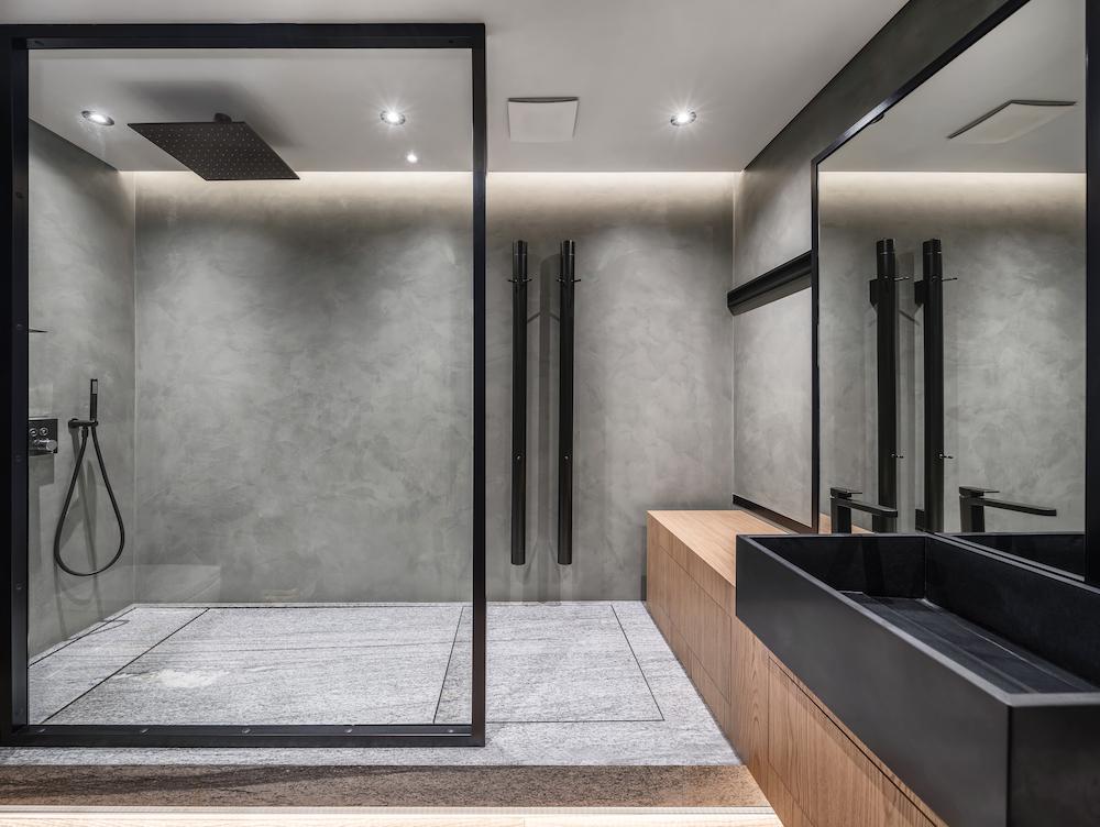 Comfortabel douchen voor het hele gezin. Wat zijn de b=mogelijkheden voor jouw badkamer #douchen #inloopdouche #badkamer