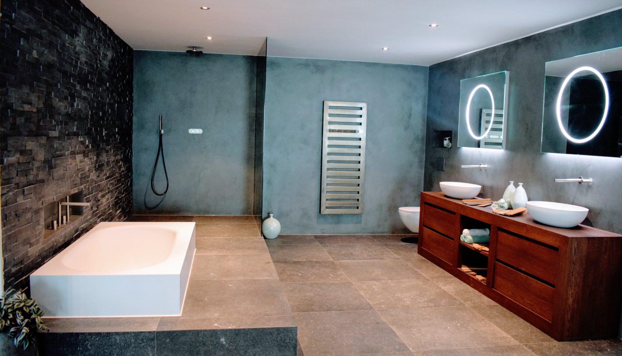 Tips voor het verven van je badkamer #badkamer #badkamermuur #verven