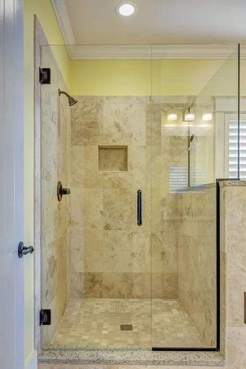 Een compleet nieuwe badkamer, maar dan betaalbaar #badkamer #verbouwen #renovatie