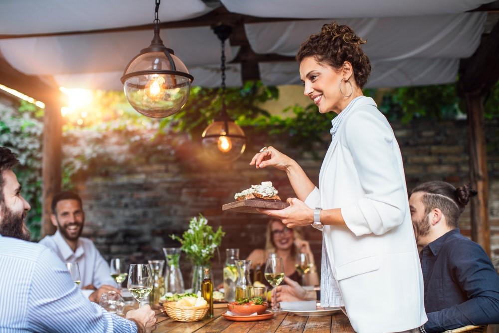 Tips voor een gezellig diner in je eigen tuin #tuin #terras