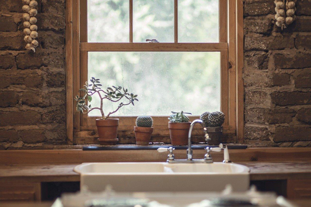 Hoe je keukenraam het beste te beveiligen #keuken #sloten