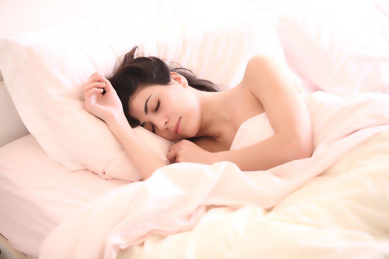 Slaapkamer vernieuwen met een nieuw bed #slaapkamer #bed #dekbed #kussens
