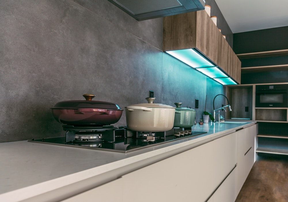 Keuken kopen en kiezen. Drie prachtige keukenstijlen om de keuze makkelijker te maken #keukenstijl #keuken #inspiratie #keukenkopen