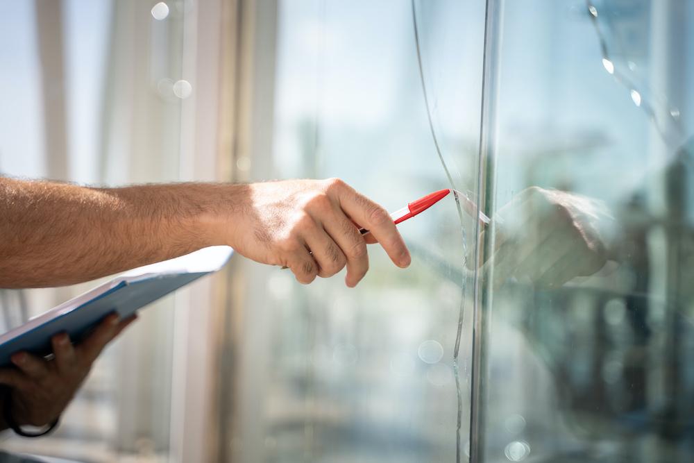 de-slimste-manieren-om-je-ramen-tegen-inbraak-te-beveiligen