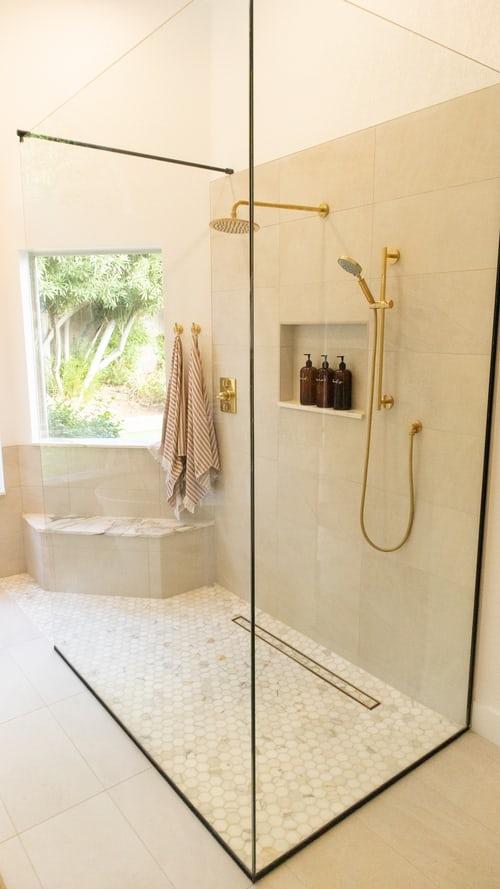 Hoe kies je een douchecabine #douchecabine #badkamer #verbouwen
