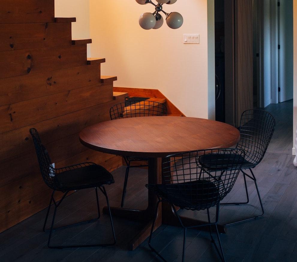 6 redenen om voor een ronde tafel te kiezen #tafel #eettafel #rondetafel #interieur #eetkamer #woonkeuken