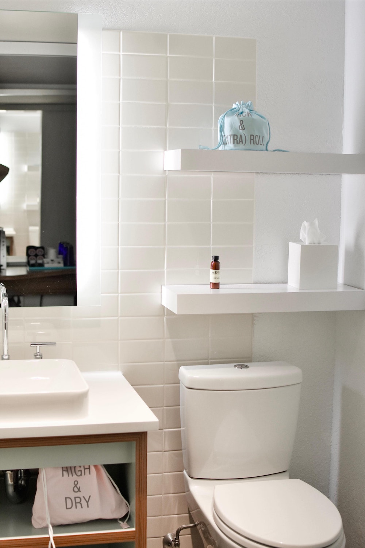 Nieuwe tegels voor je badkamer. Badkamertegels van Sanitairkamer #tegels #badkamer #badkamertegels #verbouwen #renovatie