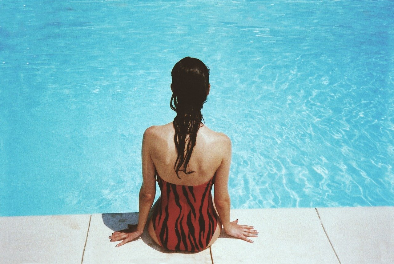 Hou de kwaliteit van het zwembadwater hoog met zwembadzout #zwembad #zwembadwater #schoonmaken #zwembadzout