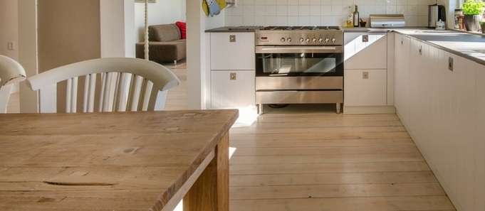 5 tips om je houten vloer mooi te houden #vloer #onderhoud