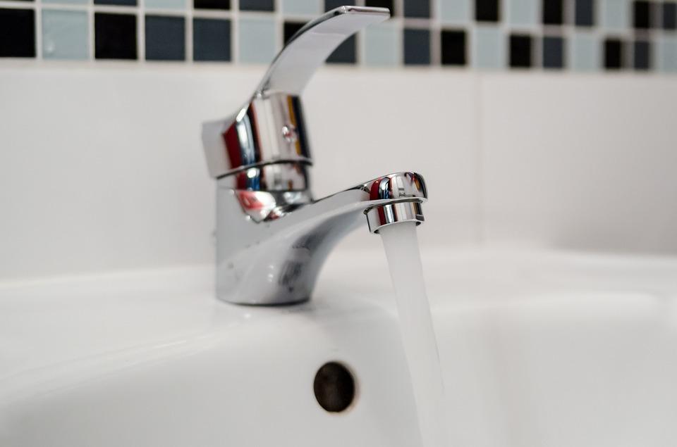 Last van een lekkage in uw badkamer nieuws startpagina voor