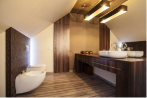 Plafondlampen in de badkamer: tips en inspiratie #badkamer #badkamerinspiratie #verllichting #badkamerverlichting