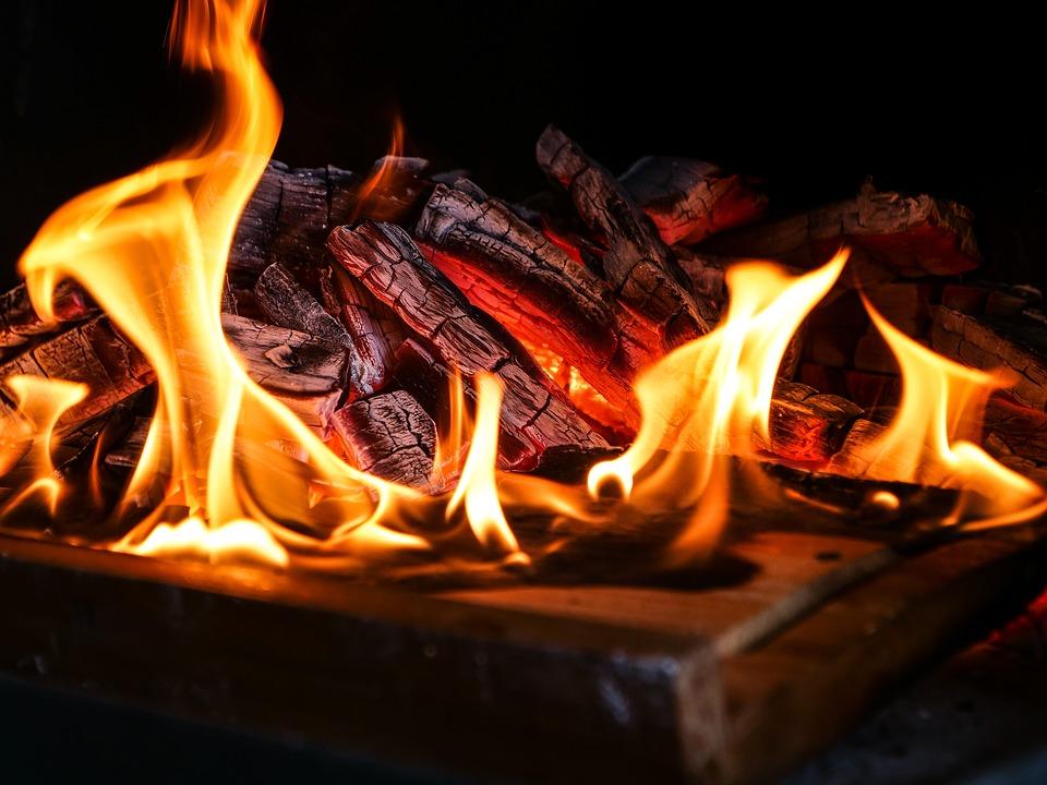 Hoe stook je de haard veilig en verantwoord #haard #haardvuur #vuur