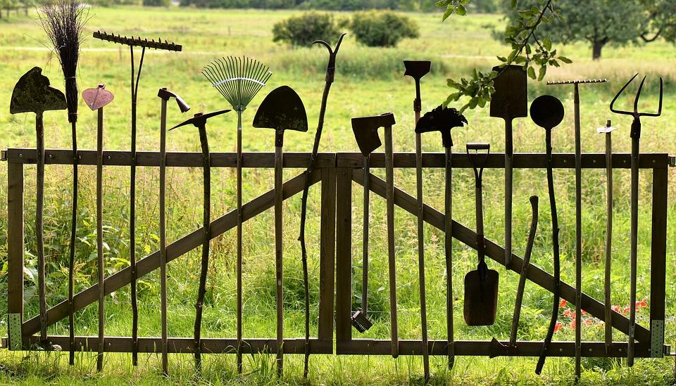 Tuingereedschap voor klussen in de tuin #tuin #tuingereedschap