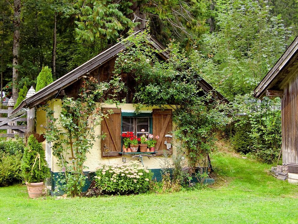 Tuinhuis in je eigen tuin. Gezellig ontspannen met vrienden en familie #tuinhuizen #tuin