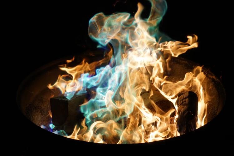 5 redenen om te kiezen voor een vuurschaal #vuurschaal #tuin #terras #tuininspiratie