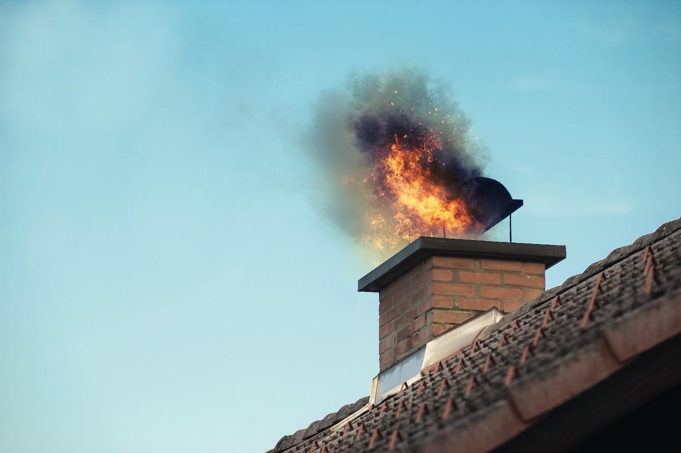 Wat heb je aan je inboedelverzekering bij een schoorsteenbrand #schoorsteenbrand #verzekering #inboedelverzekering