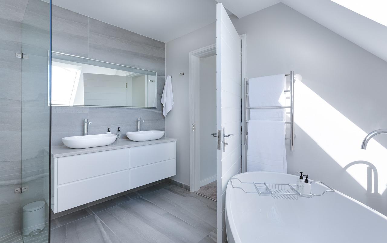 Trends in badkamerverlichting #badkamer #verlichting #badkamertrends