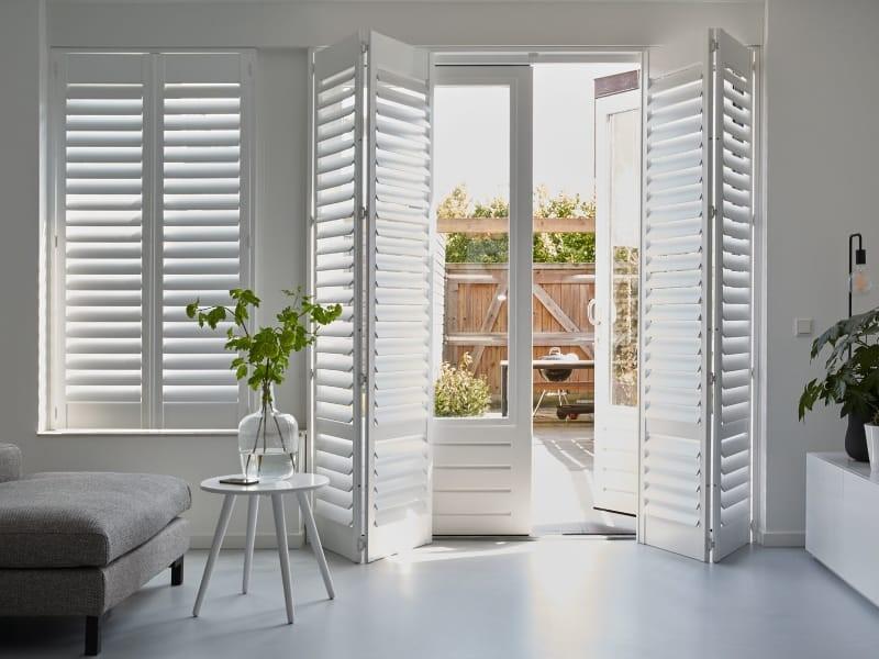 Raamdecoratie tuindeuren #trends #tuindeuren #interieur #raamdecoratie