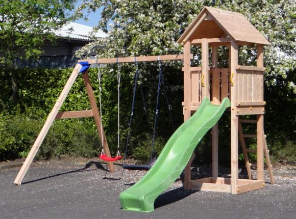 Kinderen spelen in je eigen tuin met een speelhuisje #grootplezier #tuin #speelhuisje