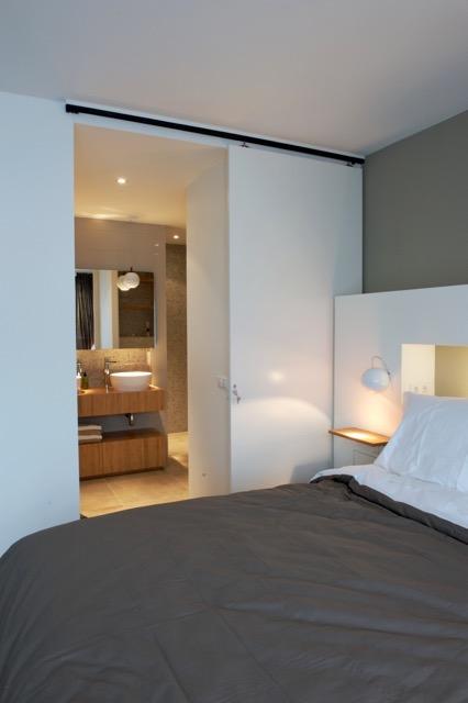 Gecombineerde badkamer met slaapkamer blog startpagina voor tuin idee n uw - Open douche ruimte ...