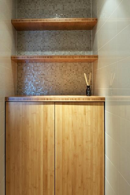 Nis en kast in badkamer - ontwerp Inge Bouman