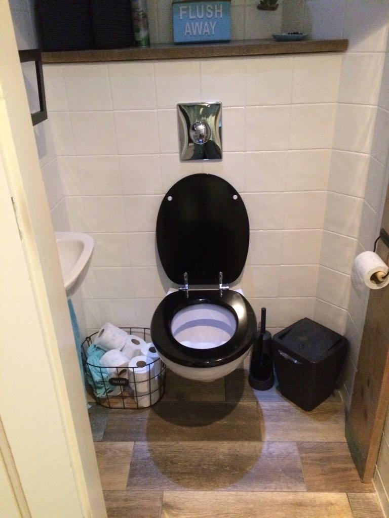 UW-woonmagazine blog pimp je saaie toilet 2 vloer door Styling ID