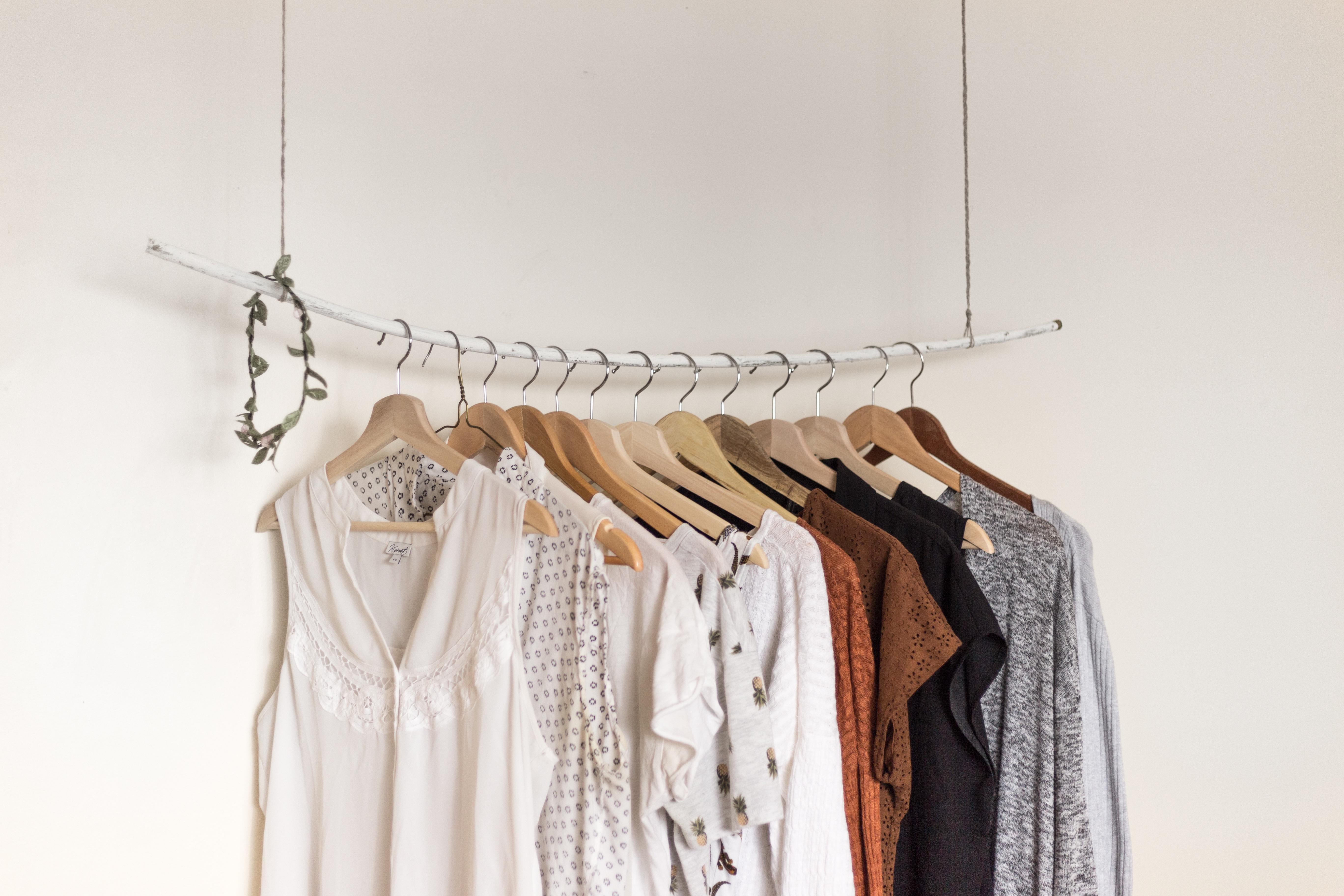 UW-woonmagazine blog Tips om een kleine kamer te stylen kledingkast door Styling ID.jpg