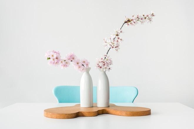 UW-woonmagazine blog Zachte pastelkleuren in huis geven zomers effect door Styling ID stoel