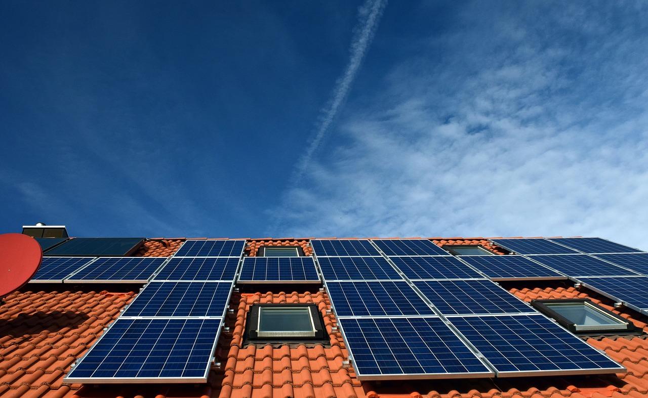 Alles over zonnepanelen en gezonder wonen #zonnepanelen #gezonderwonen #wonen