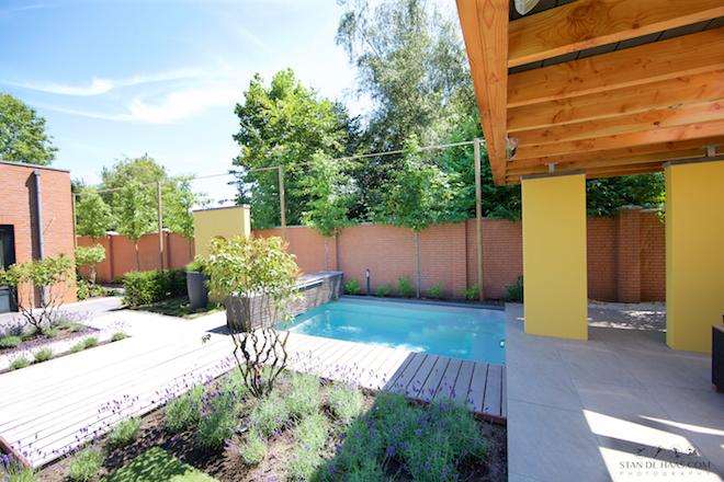 UW-zwembad voor de kleine tuin