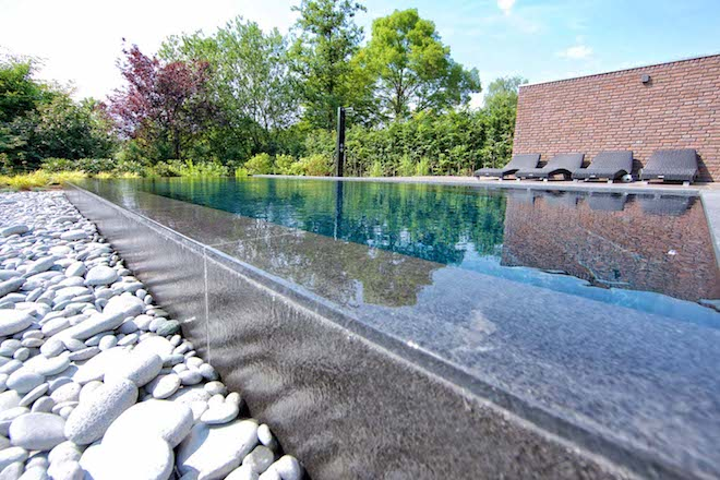 UW Zwembad Genieten van een schoon zwembad zonder onderhoud Compass Pools 3