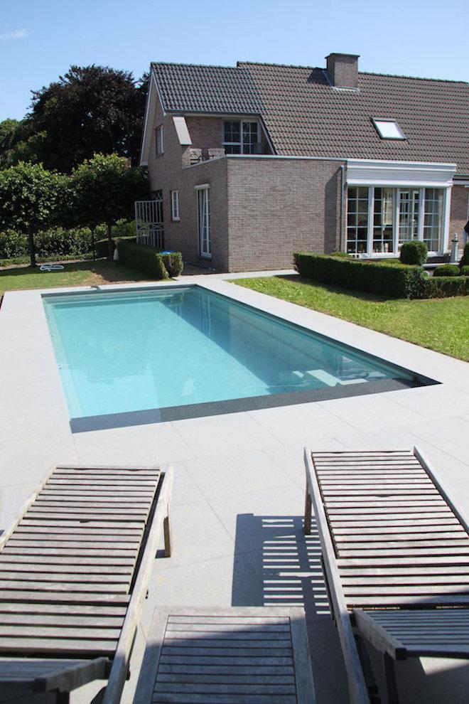 wil-je-deze-zomer-zwemmen-in-eigen-tuincompass-pools-xl-lounger-95-zwembad-met-lounge-plateau.jpg