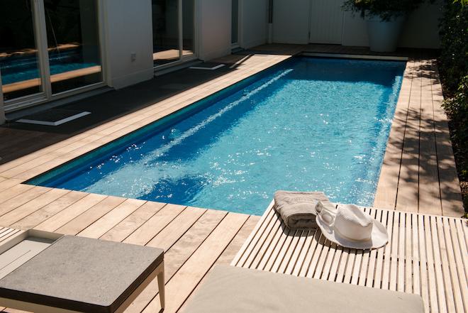 zwembadrenovatie-oud-zwembad-Lenzer-compass-pools