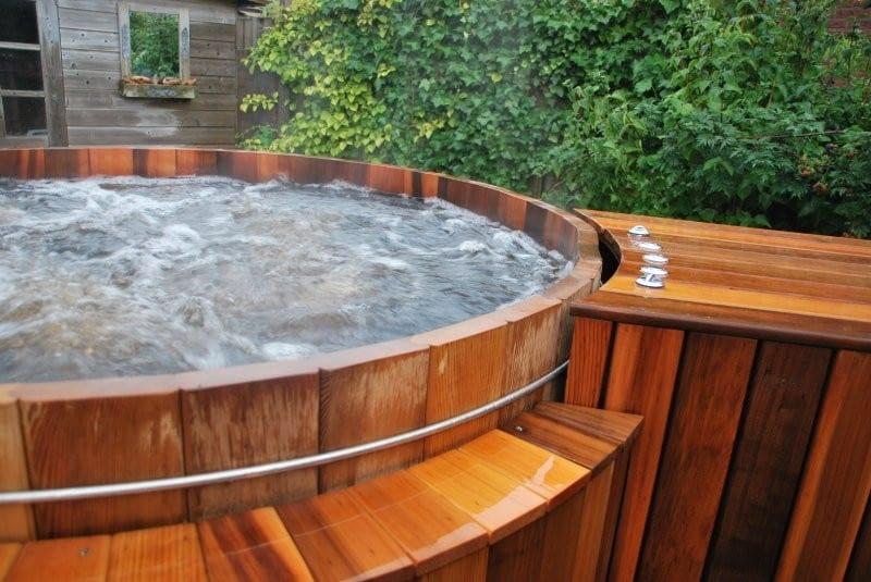 de-luxe-van-een-elektrische-hottub-spa