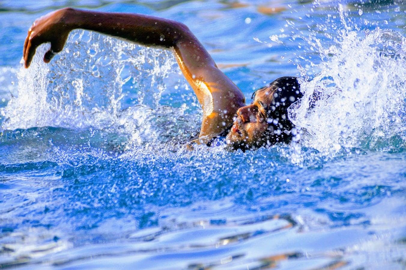 Endless swimming in een Starline zwembad #zwembad #zwemmen #endlessswimming