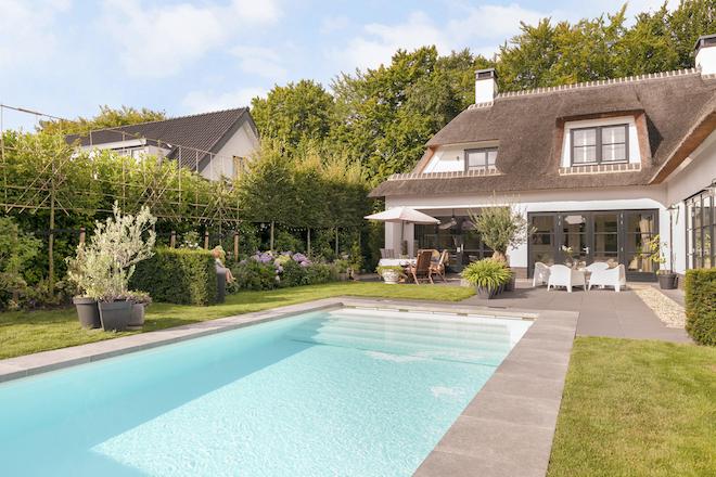 wat-is-de-beste-plek-voor-een-zwembad-in-de-achtertuin
