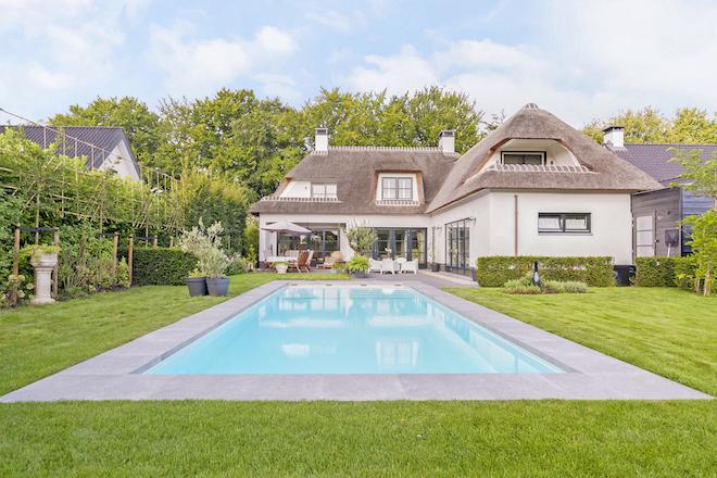 wat-is-de-beste-plek-voor-een-zwembad-in-de-achtertuin 2