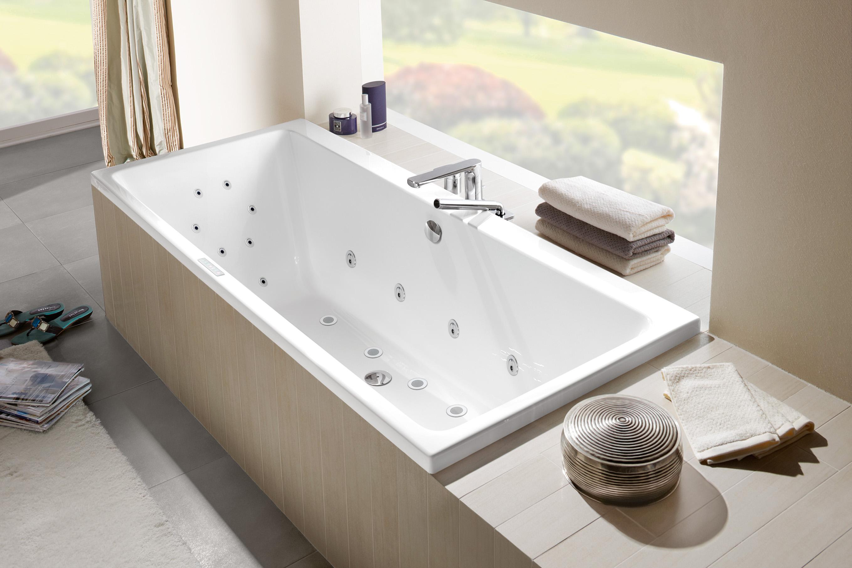 Moderne baden kunnen tegenwoordig optioneel worden uitgebreid door verschillende massagesystemen. Bad van Villeroy & Boch #whirlpool #bad #badkamer