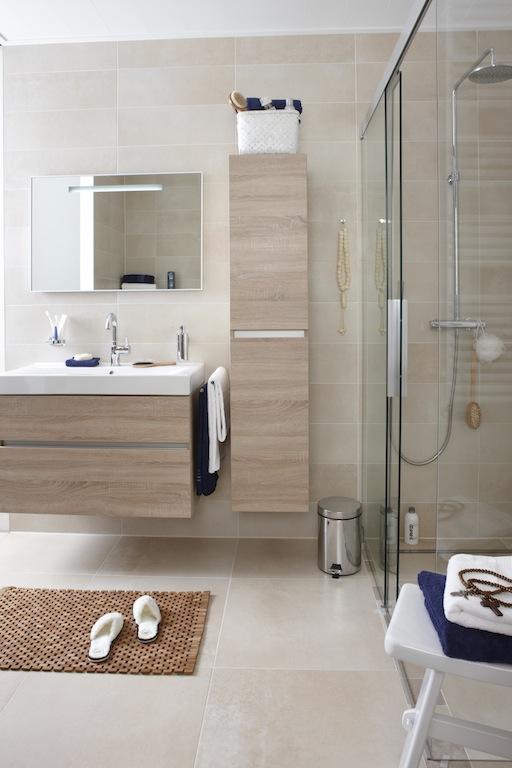 Badkamer Ideeen Voor Kleine Badkamer: Badkamer ideeen zonder tegels ...