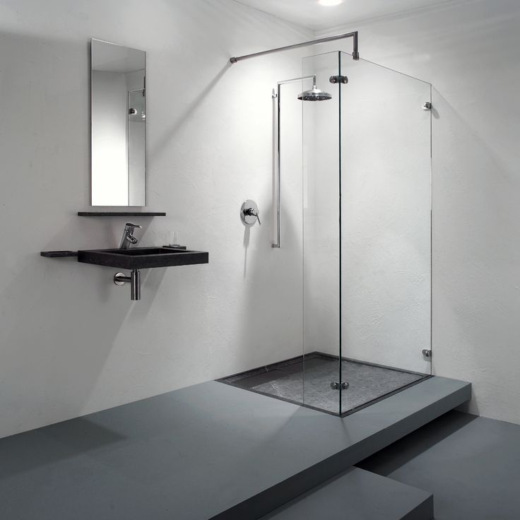 Een ruime badkamer met design inloopdouches van balance nieuws startpagina voor badkamer - Modern badkamer tegel idee ...