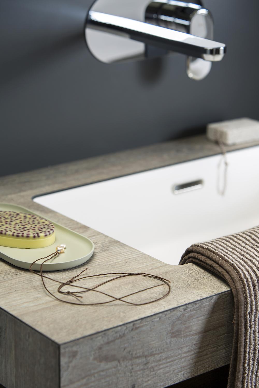 Wastafel op maat van Dekker Zevenhuizen. Lavello met topcore wastafelblad #badkamer #wastafel #maatwerk #dekkerzevenhuizen