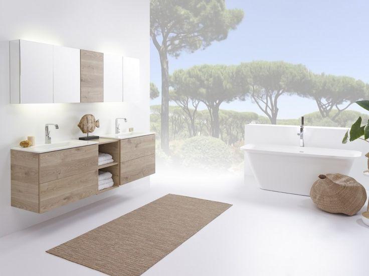 Stel zelf je badkamermeubel samen met badmeubel-serie No Limit 45 van Detremmerie. Kies uit ruim 250 types onderbouwkasten, ruim 300 wastafelbladen, ruim 80 spiegels en ruim 110 spiegelkasten, ruim 100 kolomkasten en dit alles in 37 kleuren en met 7 verlichtingen naar keuze.